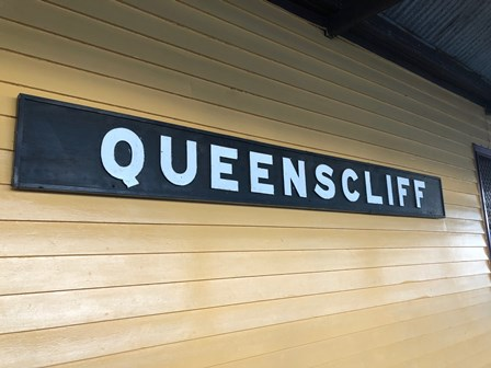 Picture of Queenscliff Station sign